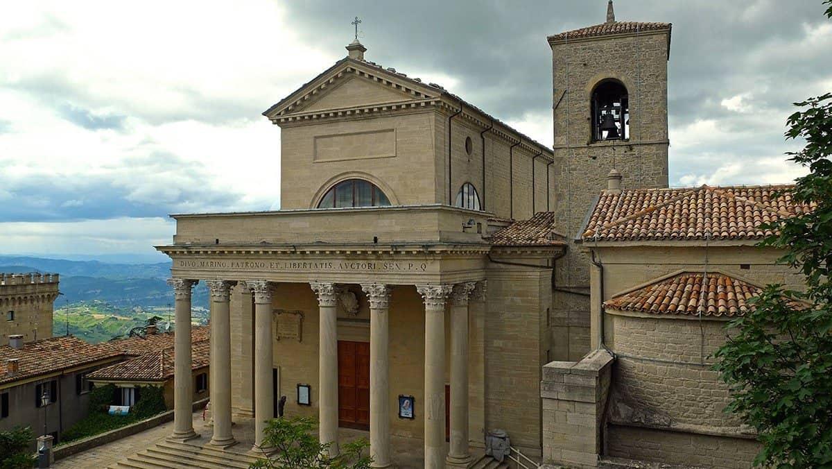 basilica-del-santo-patrono-marino-pieve-visite-guidate-guide-turistiche-monumenti-storia-medioevale-san-repubblica-chiesa-libertas-large