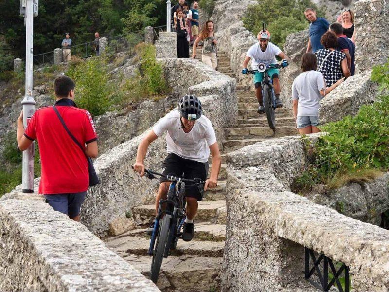 mtb mountain bike bicicletta city bike mountain escursioni ebike castelli sammarinesi San Marino monte titano pedalata assistita Mountain Bike bici bicicletta sammarinese montefeltro rimini Riccione divertimento