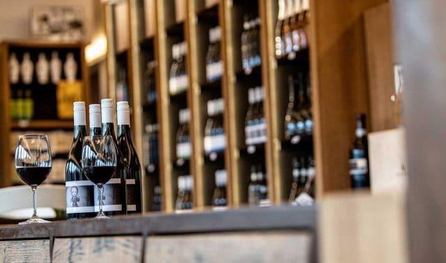 Visita guidata e degustazione tipica vinicola san marino visite guidate guide turistiche turismo visit cantina enoteca vitigni vino vite enogastronomia territorio prodotti tipici vigneto vigneti