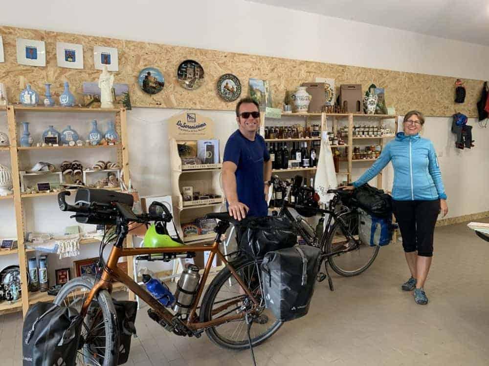 Deposito Bicicletta e ricarica Bosch