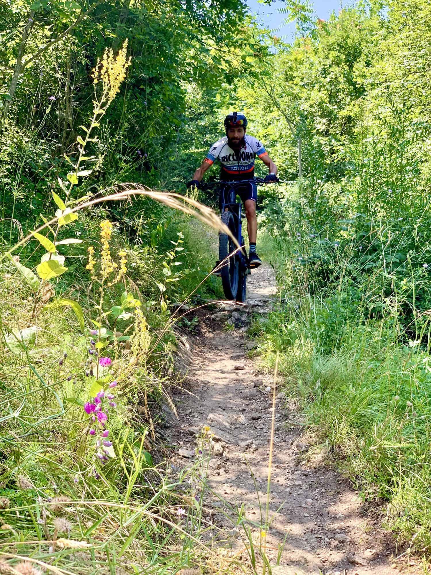 San Marino ebike e-bike mtb emtb guida istruttore mtb calanchi vigneti percorsi outdoor rimini montefeltro leo verucchio torriana