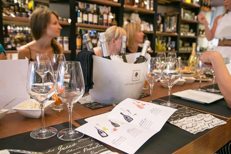 Visita Turistica con Degustazione in Cantinetta Cantinetta dello Stradone Visita guidata visit formaggi san marino vini emilia rimini montefeltro val marecchia riccione outdoor torri medioevali