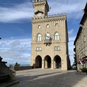 Palazzo pubblico san marino experience cosa fare visitare visit guide turistiche visite guidate centro storico unesco patrimonio rimini montefeltro outdoor natura